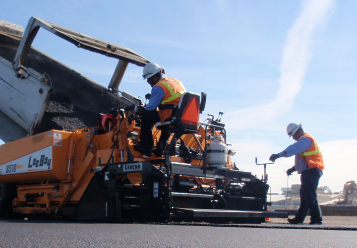asphalt paving contractor